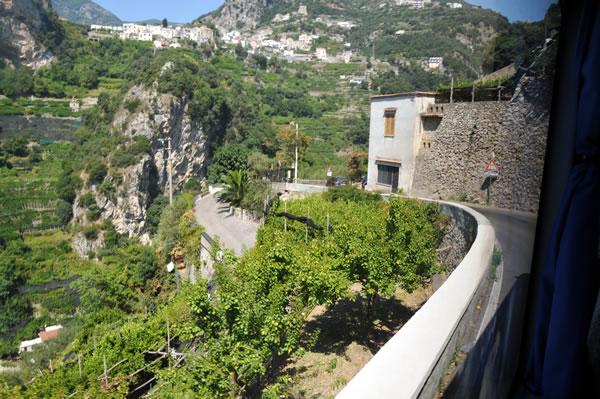 アマルフィから天空の城ラヴェッロへ! アマルフィ~ラヴェッロまでの山道
