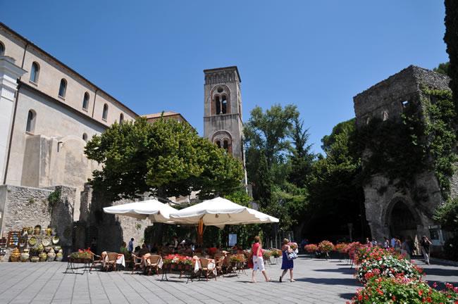 天空の城ラヴェッロ 中心街