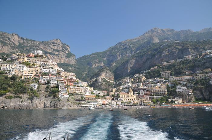 南イタリア ポジターノからアマルフィへ