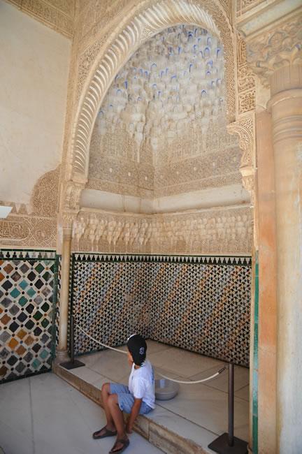 スペイン・アンダルシア州・グラナダ アルハンブラ宮殿