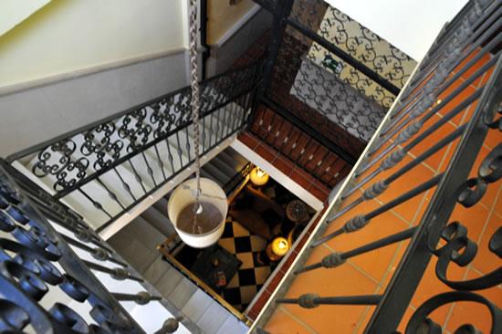 スペイン・アンダルシア州・ネルハ Hotel Carabeo & Restaurant 34 階段