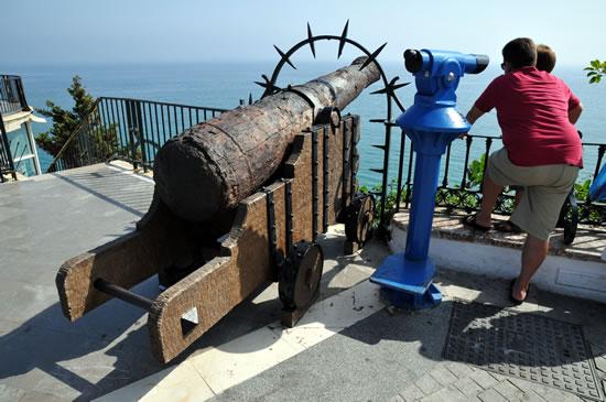 南スペイン ネルハ ヨーロッパのバルコニー 砲台