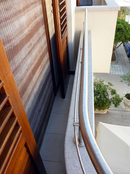 Hotel Piccolo Mondo (ホテルピッコロモンド) with little balcony