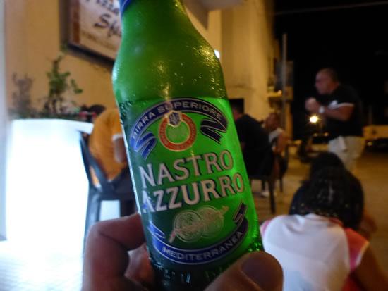 サン・ヴィート・ロ・カーポ Pizza E Sfiziにて Nastro Azzurroビール