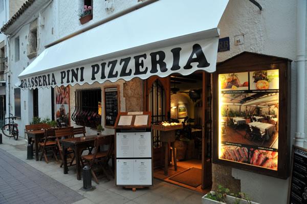 トッサデマール レストラン巡り Braseria Pini Pizzeria 玄関