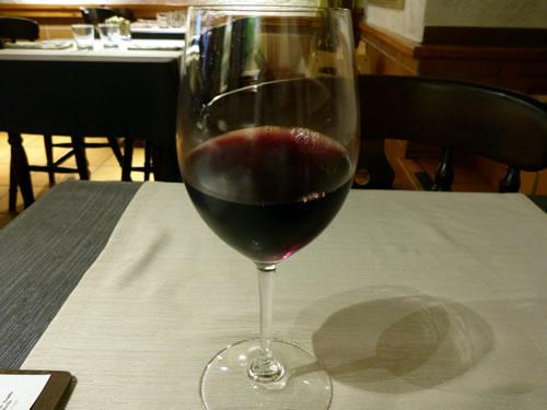 トッサデマール レストラン巡り Braseria Pini Pizzeria 赤ワイン