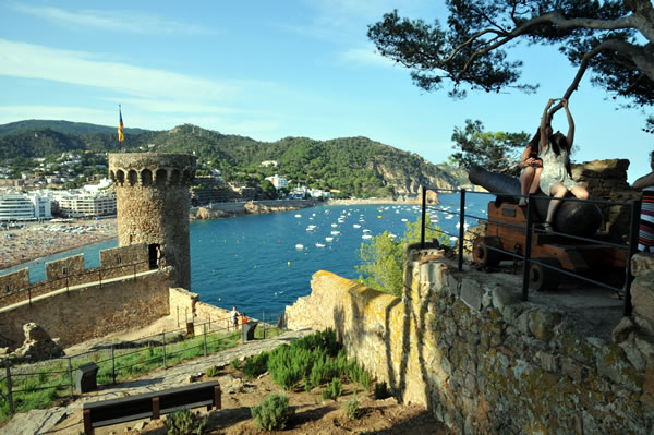 Castillo de Tossa de Marからビーチを一望