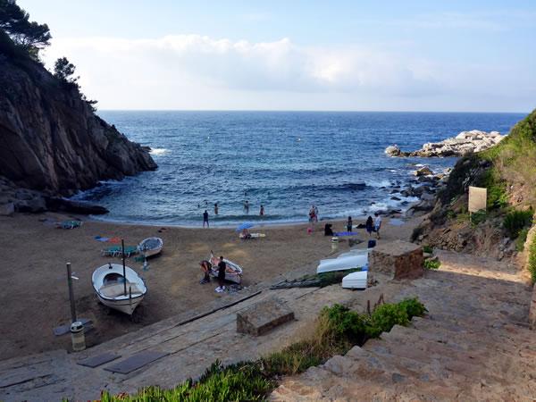 トッサ デ マールのビーチ 小さい方