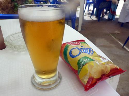 トッサ デ マールのビーチでビ、ビ、ビール!