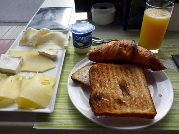 本日の朝食なり!