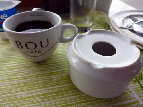 コーヒーと灰皿