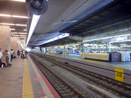 JR大阪駅のホームにて