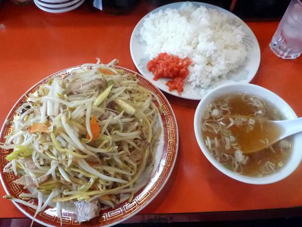 ヤキソバライスとスープ