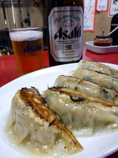 秋田市川反 北洲飯店 餃子とビール